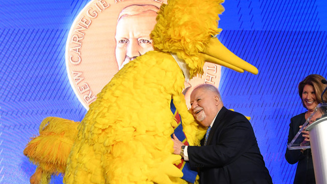 CMoP_Big_Bird_with_Vartan_Gregorian_new
